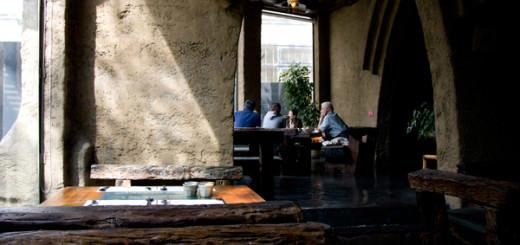台中美食伍角船板餐廳